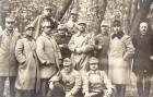 Fotografie. Ofițeri români prizonieri în lagărul de la Danholm-Stralsund, pe malul Mării Baltice, în timpul Primului război mondial.
