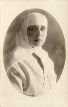 Regina Maria ca soră de caritate